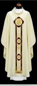 Chasuble avec une broderie en forme convexe (id: 687)